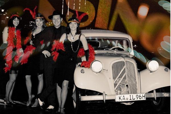 20er Jahre Event mit Oldtimer, Zauberer und Candygirls