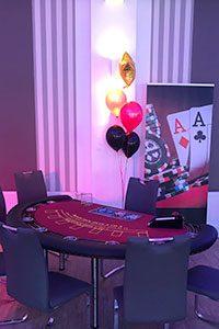 Mit unserem mobilen Blackjack Tisch unterhalten wir auf Ihrer Geburtstagsfeier